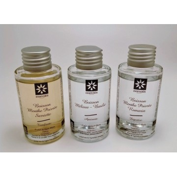 Les trois boissons bio : mélisse-basilic, menthe poivrée-sarriette, menthe poivrée-romarin